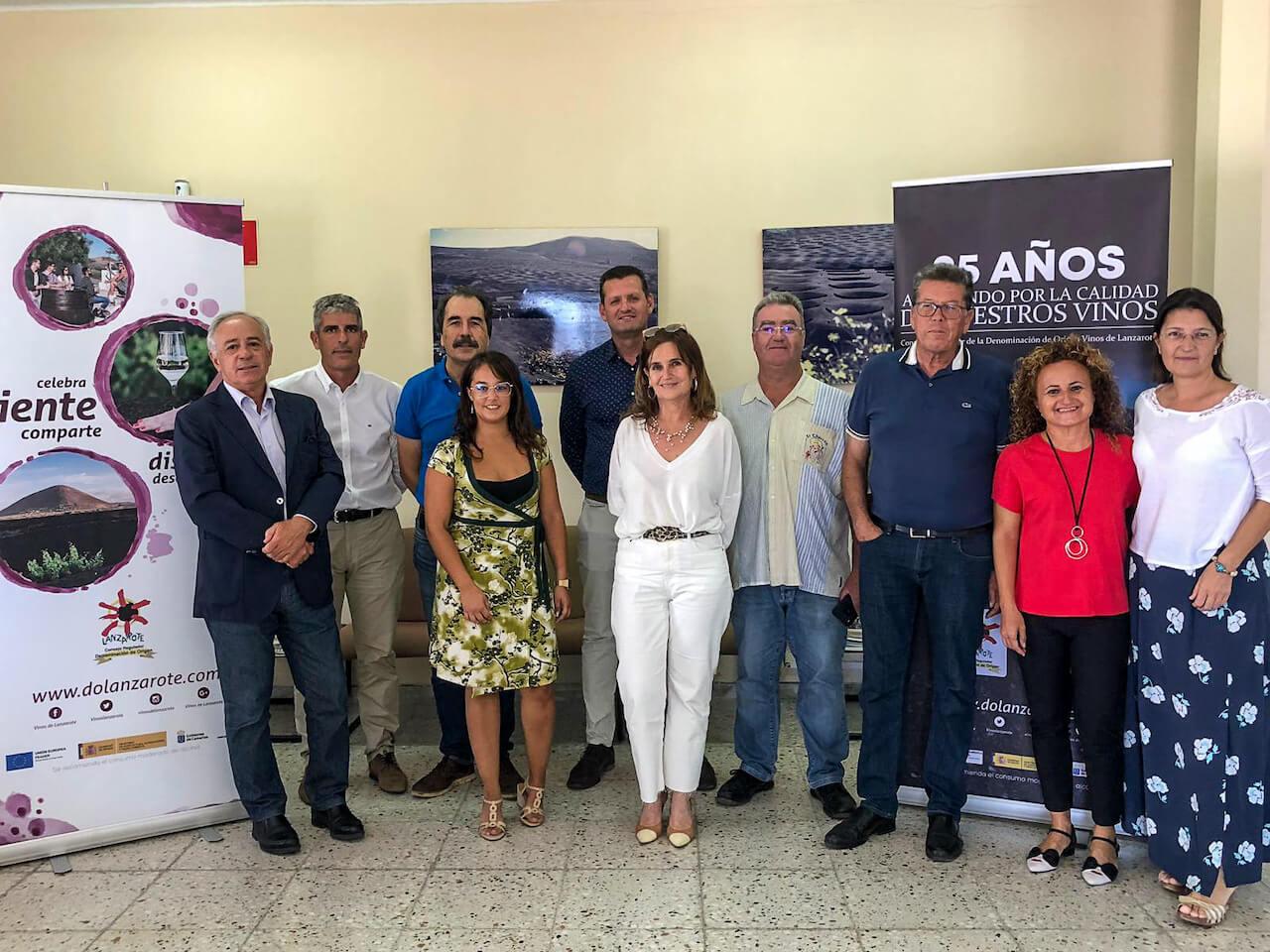 Consejo Regulador de la DO Vinos de Lanzarote y representantes del ICCA