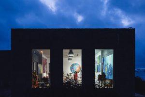 Taller enoartístico Semana Malvasía de Lanzarote 2019 pintar con vino Rufina Santana